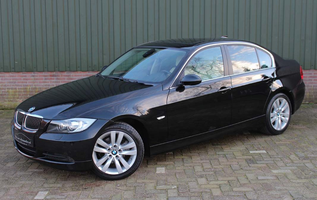 BMW 325i Dynamic Executive youngtimer