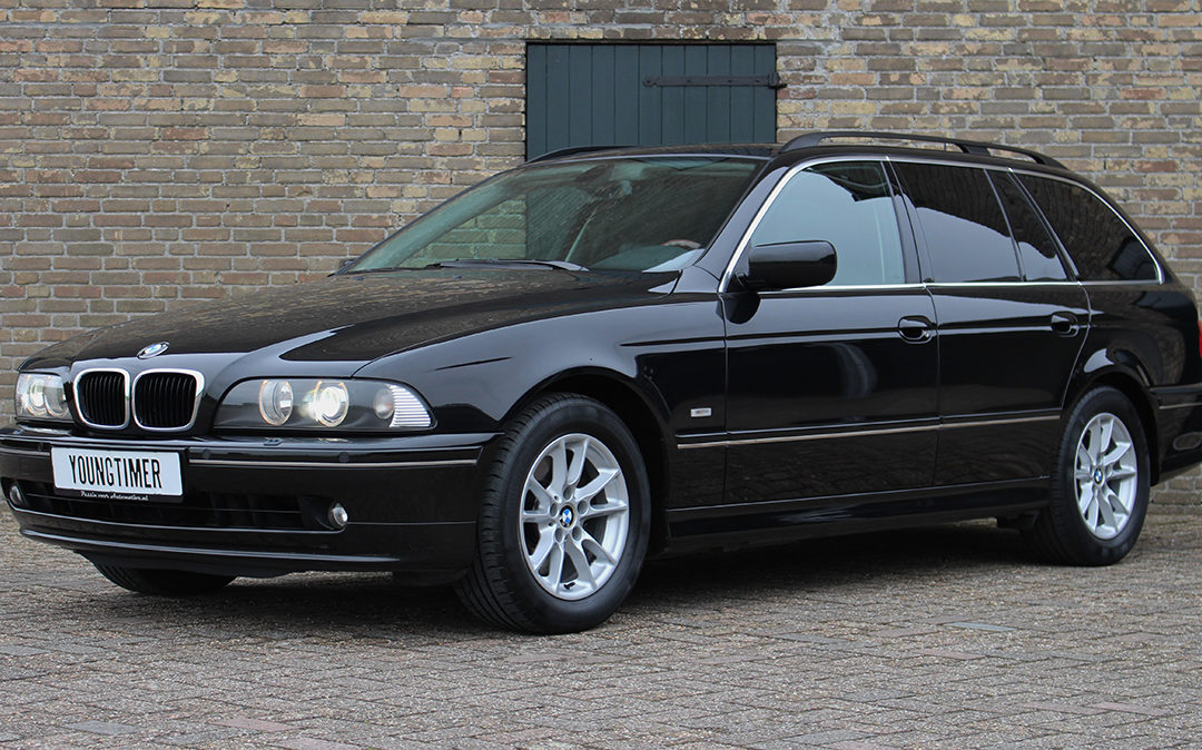 WORDT VERWACHT: BMW 525i aut Special Edition touring youngtimer